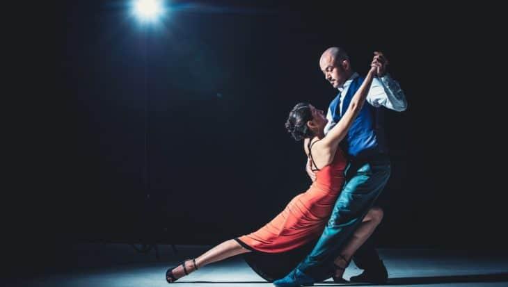 Taniec towarzyski - rodzaje, nazwy, charakterystyka